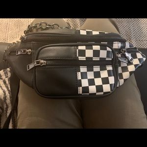 Checkered crossbody bag with chain strap